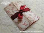 bordo crvena pozivnica sa srcima