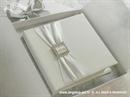 Knjiga za prstenje Bijela traka s brošem