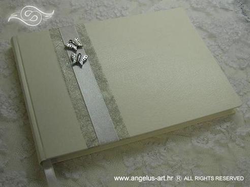 knjiga dojmova bijela sa srebrnim leptirima i mrežom