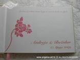 knjiga dojmova s rozom ružom i tiskom