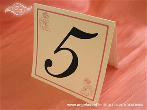 krem broj stola s rozim anđelima