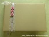 Knjiga gostiju za vjenčanje Roze ružice na krem knjizi