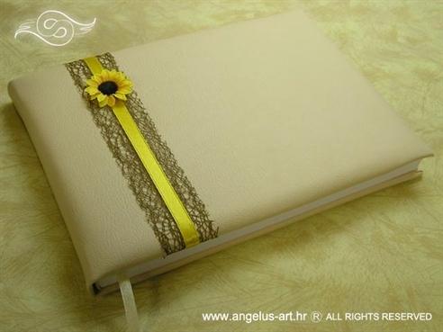 krem knjiga za vjenčanje sa žutim suncokretom i smeđom mrežom