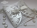 laserski rezane pozvinice sa cvijetom i masnom bijela