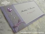 lila pozivnica za vjenčanje s mrežom, leptirom i mašnicom