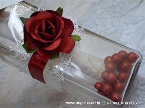 pozivnica u boci s crvenom ružom
