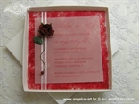 pozivnica u kutiji s ružom i perlicom