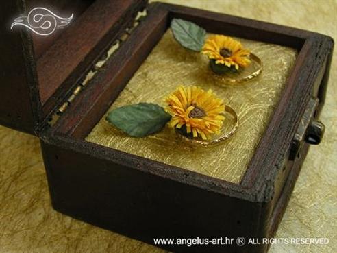 škrinjica za vjenčano prstenje s dva suncokreta
