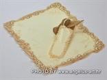 stara rolana pozivnica za vjenčanje kao stara karta